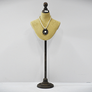 Vintage Art Old Fashion Design Jewelry Mannequin Stand